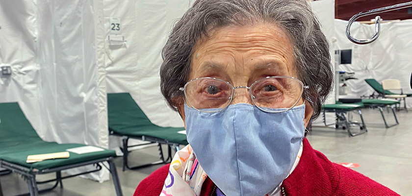 Photo of 105 years old, Sophie Conners, wearing a mask.